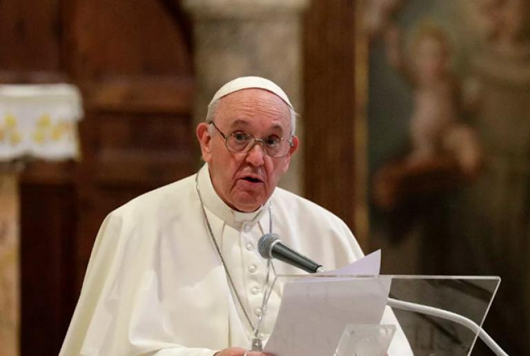 Сообщили о возможном отречении от престола папы римского